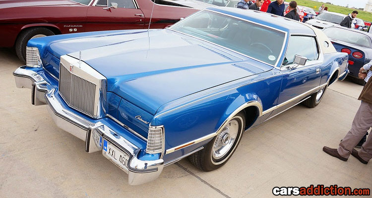 Benny's Blue Lincoln Continental